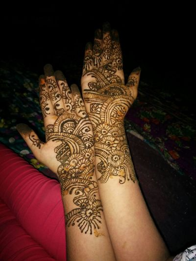 Henna Tattoo ❤ Henna Tattoo Design High Angle View Close-up Human Body Part Human Hand Art Art And Craft Creativity Design Parasngupta_photography