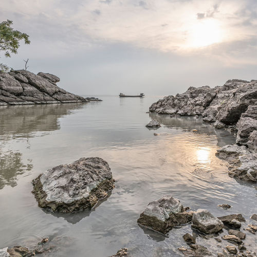 Shan shui Water Rock Sky Rock - Object Solid Nature Tranquility Reflection Idyllic Zen Chinese Boat Shan Shui Painting Landscape Lake Vessel Faint Calm Serene