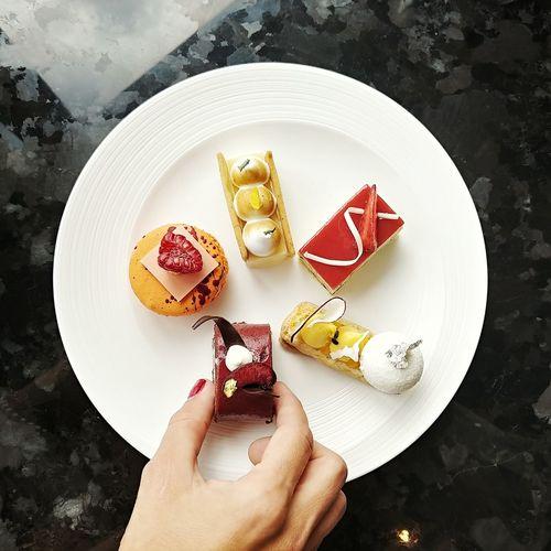Human Hand Tart - Dessert Dessert Plate Comfort Food Sweet Pie Cake Ice Cream High Angle View Directly Above