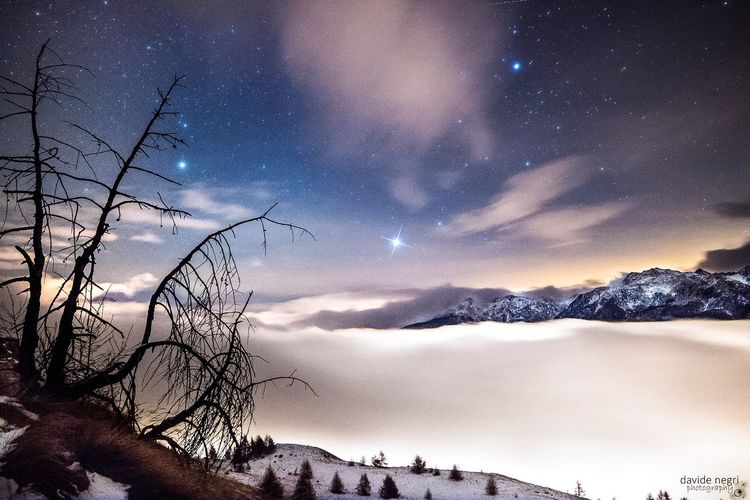 a night in paradise Paradise Night Nightsky Stars Mountains Fog Winter