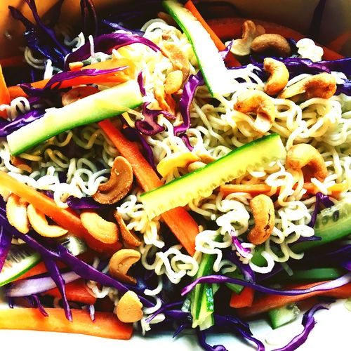 Food Foodporn Nuddles Redcabbage Carrots Nuts Cucumber Salad Greencabbage