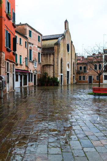 Venise après la pluie After The Rain Architecture Building Exterior Colorful Morning Light No People Streets Typical