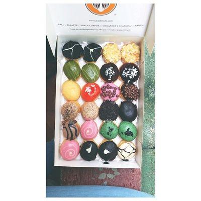 Thanks you sa imong mama and tita @bastaaaaard! Mwhehe. ??? Jco JPops Donuts Foodology foodporn foodgasm instamood instapic instadaily instagood