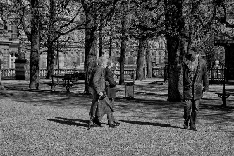 На перекрёстке дорог B&w Street Photography B&w Photography франция EyeEm France Paris I Love My City Capture The Moment EyeEm Gallery Paris, France  Париж EyeEm Best Shots EyeEmBestPics The Changing City