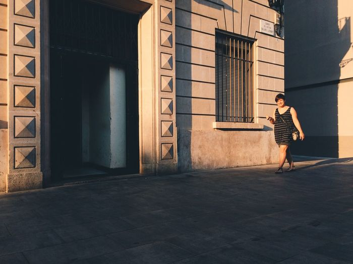 Streetphotography Sundown Shadow The Street Photographer - 2014 EyeEm Awards