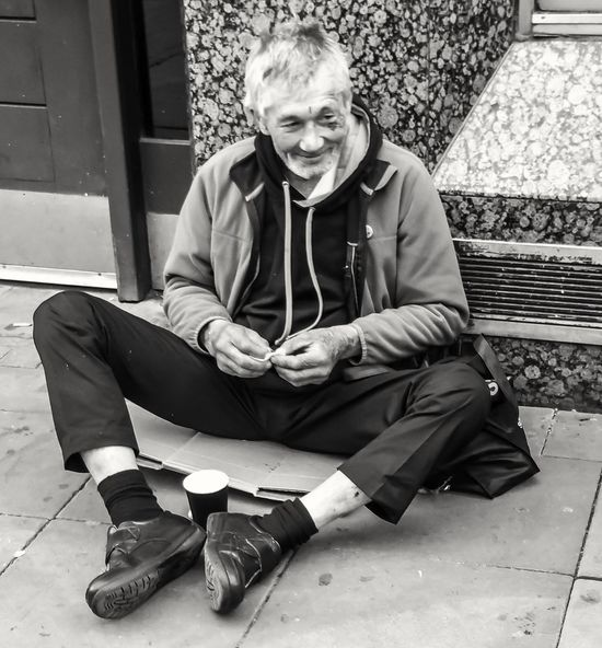 My ongoing series of the homeless of Manchester we need to do whatever we can for people that are less fortunate than ourselves it doesn't always have to be money just be kind Homeless Of Manchester Uk People Of Manchester Walking Around People Watching Close Up Photography Eyeem Photography Black And White Photography Black And White Portrait Homeless No More Eye For Photography Street Portrait Street Photography Street Life People Of EyeEm Malephotographerofthemonth Homeless Homeless Awareness