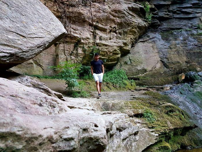 Caminito. Lifestyles Nature Adventure One Person Photographing Beauty In Nature Pasión Por Fotografías❤ Paisaje Natural Montains    EyeEmNewHere