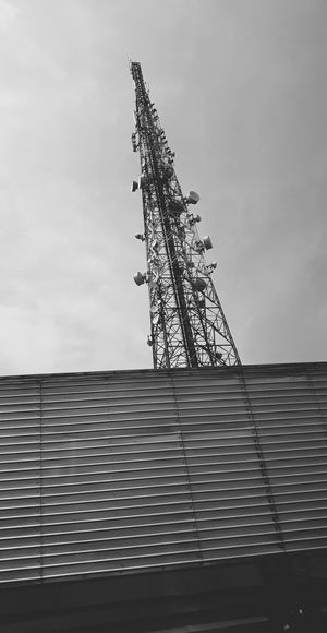 Technology Telecommunications Equipment Electricity Tower Built Structure Architecture No People Communication Outdoors Electrical Equipment Day Wireless Technology Sky Global Communications Tower Architecture