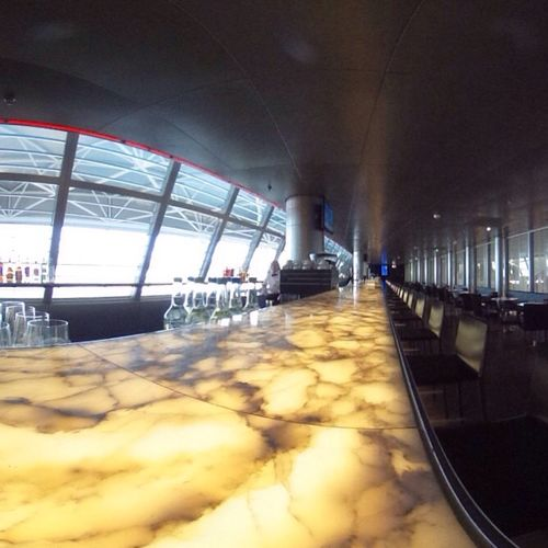The longest attended lounge bar worldwide at SWISS Lounge D Airport Zurich... #tbex #theta360