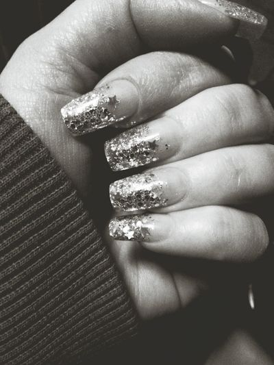 it blings in black and white too! Blackandwhite Nails Stars PhonePhotography