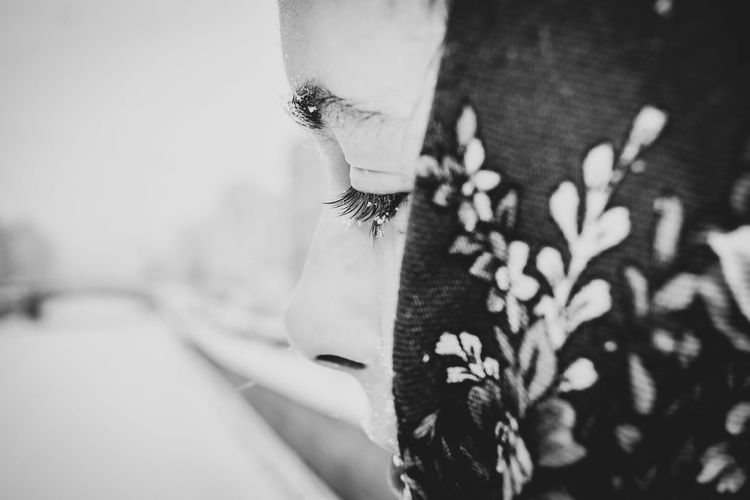 One Person Real People Close-up Portrait Lifestyles Human Body Part Young Adult Selective Focus Adult Human Face Young Women Face EyeEm Selects Pattern Eyes Snow Focused Winter Cold Temperature Bridge River Channel City Saint Petersburg