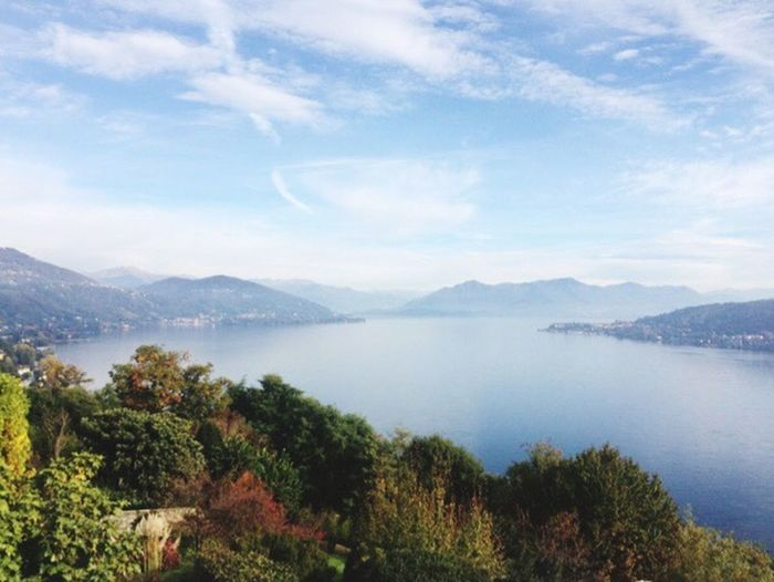 The morning view that has you moving Lake italy Autumn view Best Of Lyeu Italy Clouds And Sky White Tourism Beauty In Nature The Week Of Eyeem Enjoying Life Check This Out