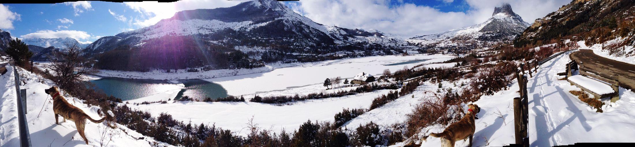 Panorama Panoramic Pirineos Mountains Winterlovers Winter Wintertime Winterishere Snow Cold Winter ❄⛄