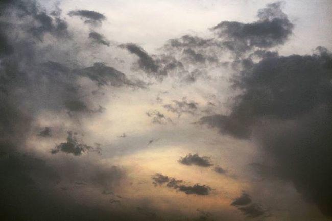 I love sky full of clouds! ☁ ☁ ☁ Photography Instagram Instalike Instapic Doubletap India VSCO Vscocam Vscophoto Canon Canonphotos Canon_photos Canonphotography Canonphoto Instacanon Canongram Vscophotos Vscophotography Photographyislifee Photographylovers Randomphotography Clouds Darkclouds Naturephotography Cloudlovers ☁ sky skyscape skyporn