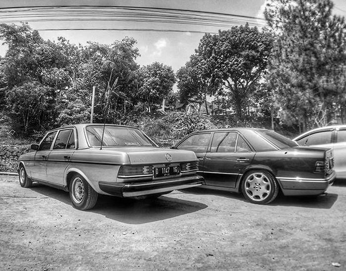Mercedesbenz Mercedes W124 W124fanatic W123  Blackandwhite Bw Monochrome Sportline W124owner W124bandung W124gram Benz E320 Instacars Own_acc Car Carporn Mbcar Iphonesia Instasunda Insta_kaskus Ic_wheels Instago Photo_storia fotonesia ig_indonesia mercedesbenzw124 instagood instago