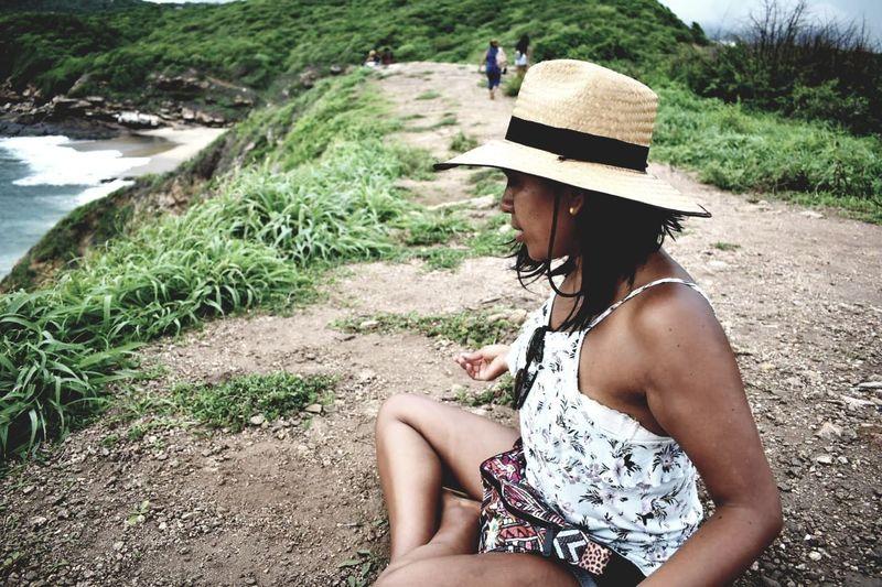 Mazunte.... Atardecer fallido #Puntacometa #Mazunte #Mexico Water Young Women Women Beach Sitting Beautiful Woman Sand River Grass