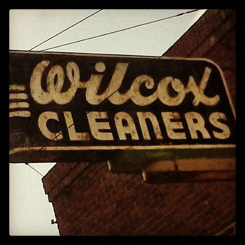 Signs Neon Beatrice Oldsigns Neonsigns Signfixation Signstalkers Wilcoxcleaners