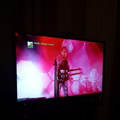 Watching Muse: MTV World Stage ♡ Muse 20yearsofmuse Mattbellamy Mtv mtvworldstage
