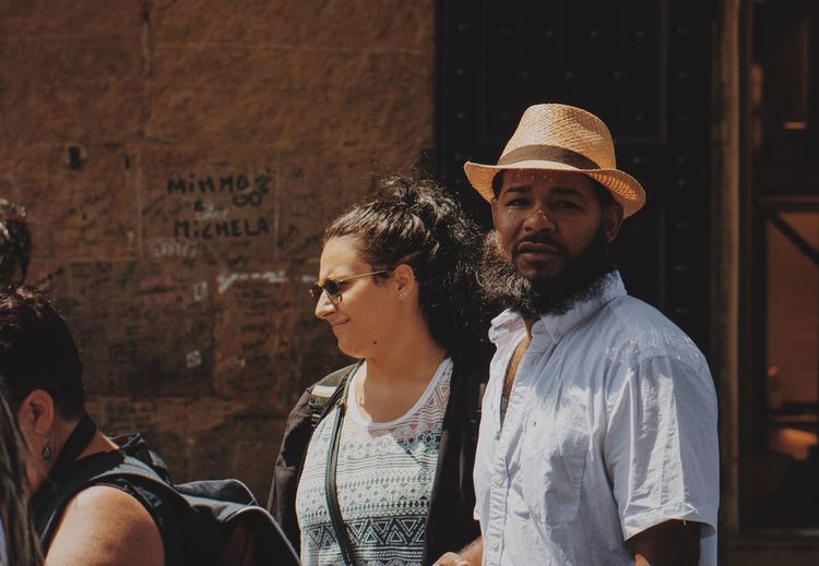 VSCO Vscocam Firenze Florence Candid Street Photography Streetphotography Couple Tourist Young Women Young Adult Two People Real People Togetherness Lifestyles People Adult Outdoors Adults Only Stories From The City Adventures In The City The Street Photographer - 2018 EyeEm Awards The Art Of Street Photography