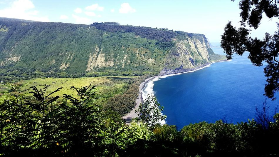 Beautiful valley in Hawaii! Bigislandhawaii Waipio Valley  Hawaii Hawaii ❤✌