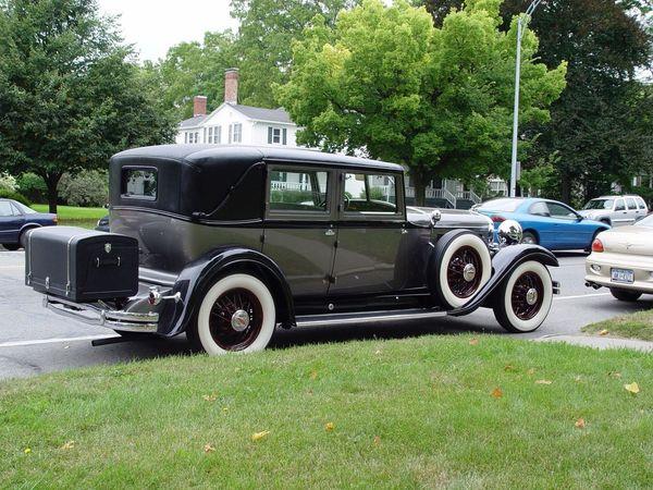 The Street Photographer - 2017 EyeEm Awards Antique Car Luxury Streetside Classic Car