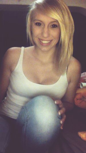 dont worry, be happy! Smile Blonde Hair & Brown Eye That's Me