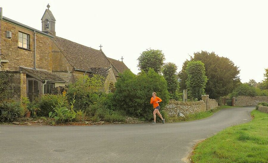 Taking Photos Enjoying Life Village View Outandabout Beautiful Place Rural Landscape Early Morning Outdoor Photography Outdoors❤ Jogger Morning Joggers Cotswolds Old Buildings