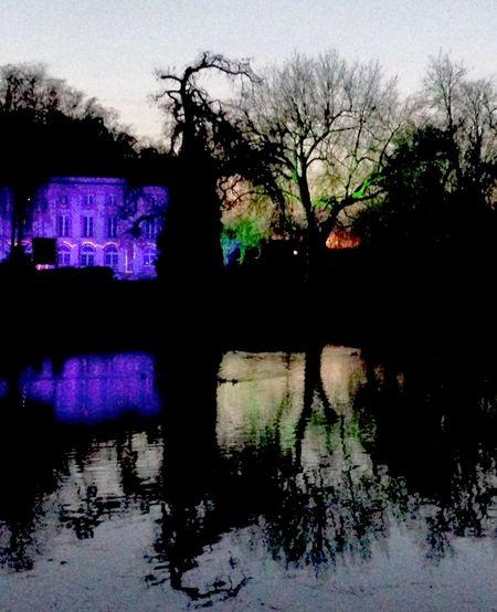 """A PEACE OF PICARDY"" Picardie France Pierrefonds Tweelight Sceney Nuit Lac Reflets Lumières Bifilaires agilphoto"