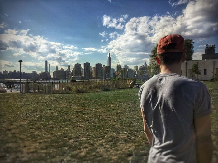 Thestreetphotographer2017eyeemawards Newyork Mobilephotography ShotOnIphone Newyork Built Structure Architecture Rear View Sky Building Exterior Cloud - Sky Real People Leisure Activity #urbanana: The Urban Playground 50 Ways Of Seeing: Gratitude
