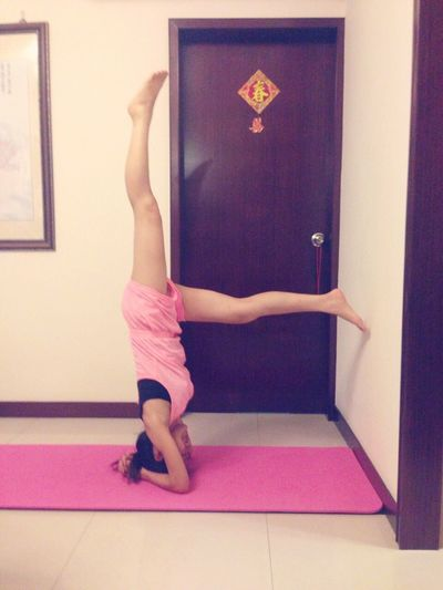 Armstand 90 Degrees Check This Out That's Me Yoga Girl