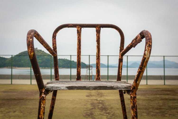 Match Abandoned No People Close-up Day Outdoors Focus On Foreground Rusty Metal Sky Water Sea Old Wood - Material Damaged Abandoned Deterioration Chair Umpire Decay Textured  Texture Canon Canonphotography Japan Japan Photography Tennis Court Sport Ohkunoshima Bunny Island