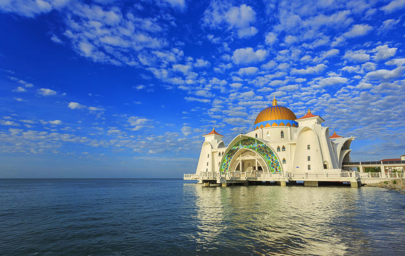 Beautiful view of Malacca Straits Mosque (Masjid Selat Melaka) is a mosque located on Malacca Island near Malacca Town in Malacca state, Malaysia. Architecture ASIA Blue Built Structure Cloud Cloud - Sky Cloudy Day Dome Eidul Fitri Eiduladha Malacca Malaysia Melaka Mosque Nature No People Outdoors Ramadhan Rippled Sky Tourism Travel Destinations Water Waterfront