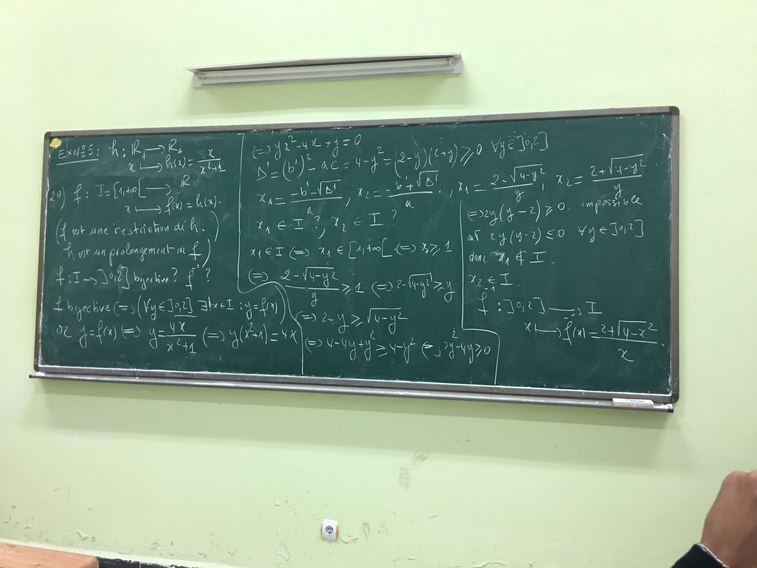 blackboard, text, no people, indoors, close-up, science, formula, laboratory, day