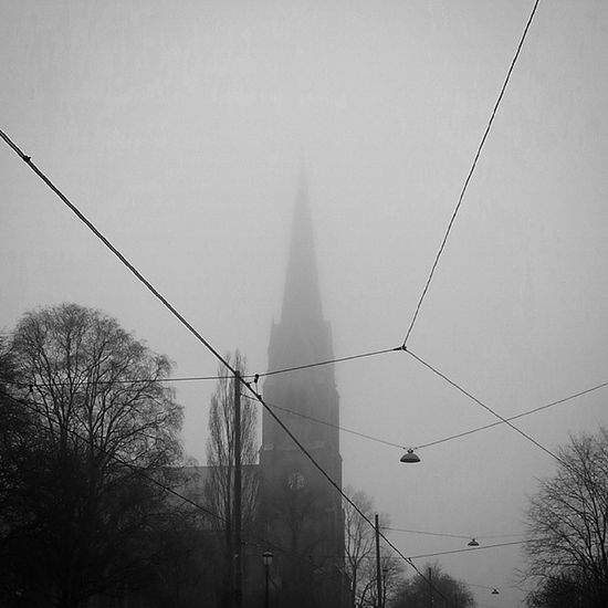 Uranienborg Kirke Church Norgeibilder Ilovenorway Idyll Yrbilder Oslo Oslobilder Norgeibilder Stakkarsoss Utno Magisk Magiskstemning Blackandwhite Bw