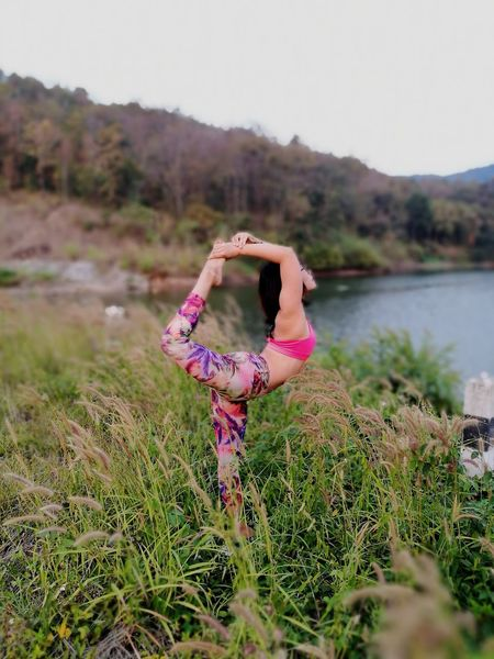 Just breath and relax 🌾🍁❤ Landscape Outdoors Grass Nature Tree Sky Happiness Home Sweet Home ♥ Wildflower Beauty In Nature Yoga Relaxation Yoga Pose Yoga Lover Yogagirl Yogainspiration Yogaeverywhere Yogalife Yogapractice Leisure Activity Happinessisachoice Lifeisbeautiful Weekend Activities