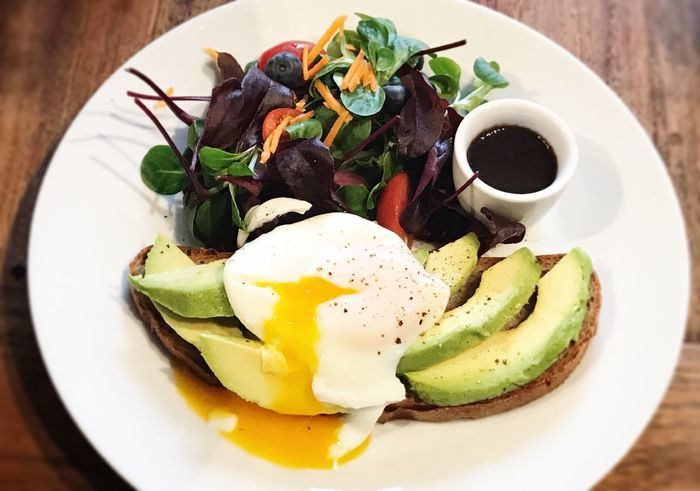 Avocado and egg toast Healthy Eating Healthy Plate Close Up Avocado Toast  Nobody Hipster Toast Avocado Food And Drink Food Ready-to-eat Healthy Eating Plate Freshness Wellbeing Meal Serving Size Egg Vegetable Table Close-up Breakfast High Angle View No People