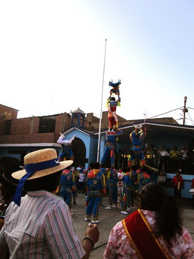Party Time! Artists At Work City Life Costumbres People Photography Peru Traveling Peruvian Treasures Geometric Shapes