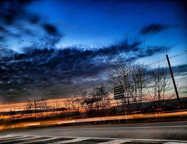 E finisce cosi un'altra giornata di lavoro🌆 Dusk Clouds Lightpanting Sky Evening Trails Landscape HDR Urbanlandscape Ic_hdr Ic_dusk Ic_landscapes