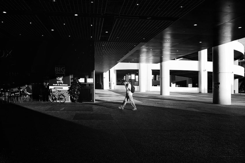 Jurong East, Singapore. 2017 © Chit Min Maung http://www.cmmaung.me/ Featured Collectives Shadows & Lights Singapore Snapseed Walking Around Architecture Cmmaung Cmmaungme Day Everybodystreet Everydayasia Everydaysg Galaxys8 Men One Person People Real People Samsungphotography Streetphoto_bw Streetphotography