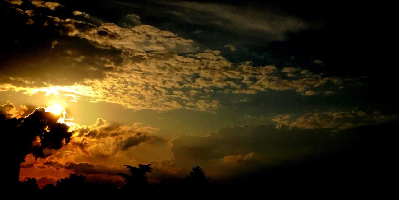 sunset, silhouette, sky, nature, beauty in nature, tranquility, cloud - sky, tranquil scene, scenics, dramatic sky, no people, outdoors, sun, tree, low angle view, day