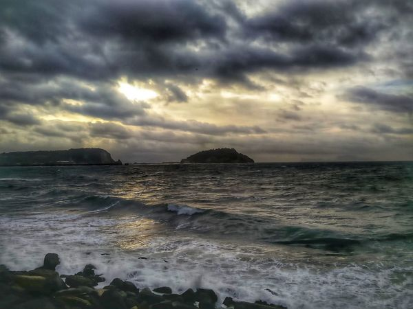 Energia Mauryhappy #pozzuoli #napoli Sea Sunset Cloud - Sky Dramatic Sky Beach Horizon Over Water Nature Landscape Scenics Outdoors Beauty In Nature Storm Cloud Water Sun Sunlight