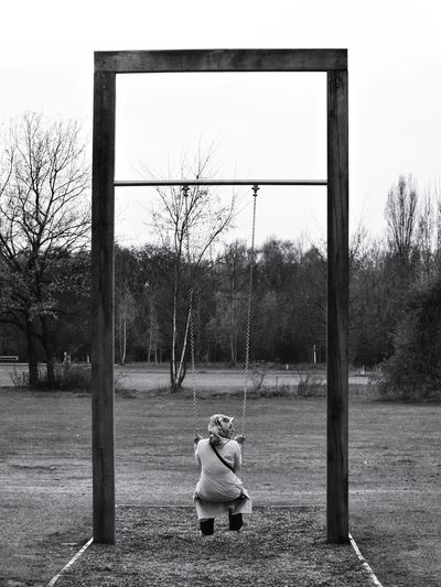 Blackandwhite Gleisdreieck Schaukel Swings Alone Outdoors Captured Moment