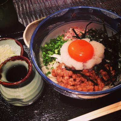 今日のお昼は、納豆蕎麦です。美味かったんです。夏にはぴったりな一品!!