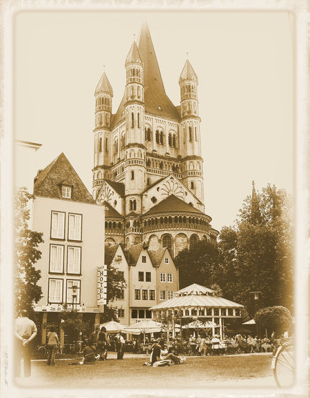 Architecture Building Exterior Cathedral City People City Life GERMANY🇩🇪DEUTSCHERLAND@ Koeln Outdoors Photoediting Outdoors Photography Urbanphotography People And Places Randomshot