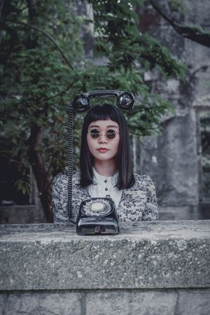 Portrait Phone Young Adult Young Women Adult Tree Beauty Lifestyles Day Outdoors Leisure Activity Real People Beautiful Woman The Portraitist - 2018 EyeEm Awards The Fashion Photographer - 2018 EyeEm Awards
