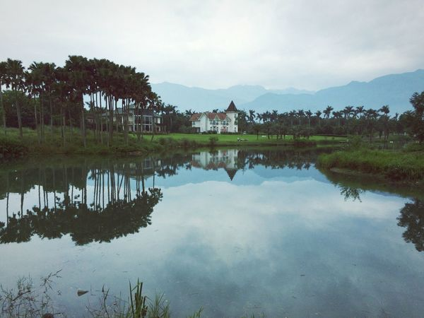 Deep Breath the Holiday with my Friends at 雲山水 Hualien, Taiwan Nature_collection Lakeshore Reflection Time To Reflect Foggy Enjoying Nature The Great Outdoors With Adobe