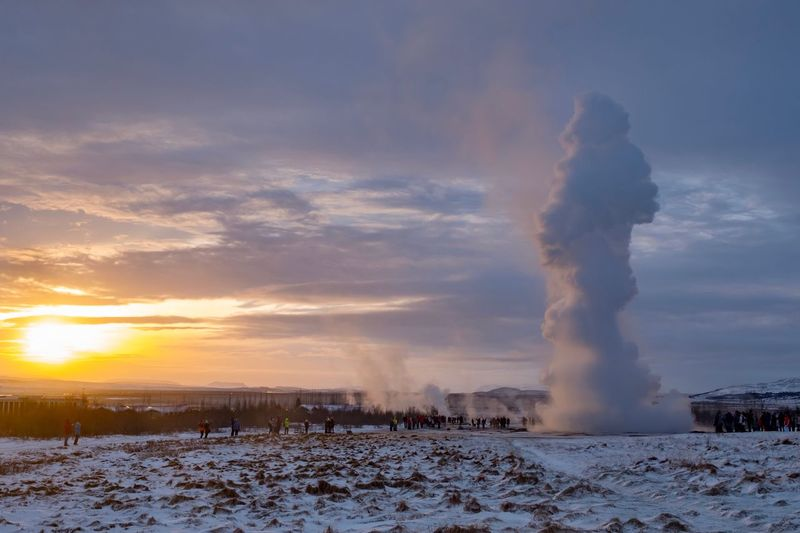 Iceland Sonnenuntergang Fujifilm X-pro2 Fujifilm_xseries Fujifilm Heisse Quellen Island Iceland Strokkur Geysir Strokkur Geysir Iceland Geysir Hot Springs Geysir Golden Circle Iceland Golden Circle Power In Nature Erupting Winter Sky Snow Cold Temperature Nature Weather Outdoors Landscape Beauty In Nature Motion Sunset Cloud - Sky Scenics EyeEmNewHere The Traveler - 2018 EyeEm Awards