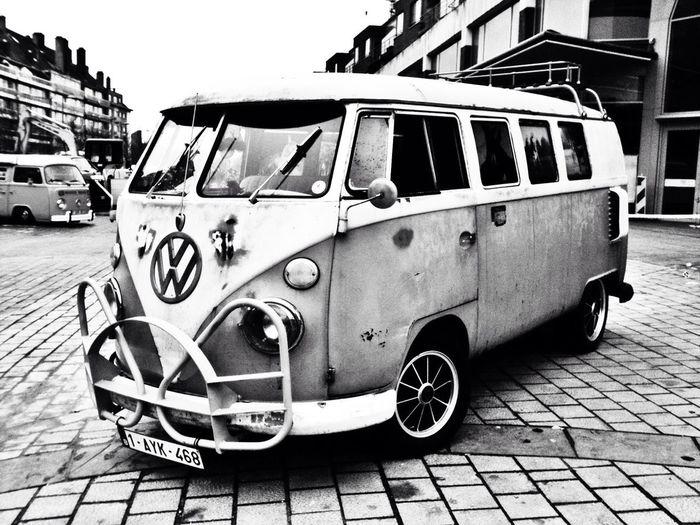 A beautiful VW van.