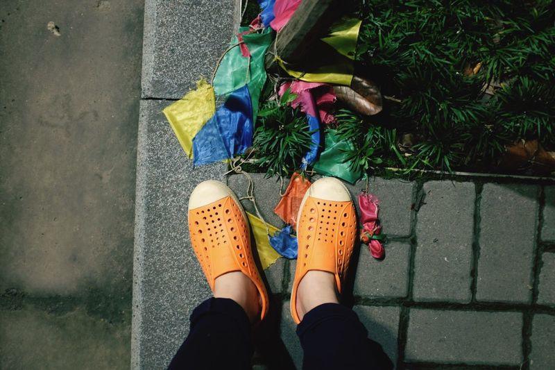 这个夏天莫名其妙天天穿这双鞋 旧了也软了 梅雨天气 Nativeshoes Color