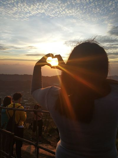 love Sunrise EyeEm Love Eyeemmarket Eyemphotography Natural Beauty PhonePhotography Indonesia Photography  Eyem Gallery Mountain Natural Bali Bangli Photography Themes Photographing Water Camera - Photographic Equipment Technology Photo Messaging Silhouette The Mobile Photographer - 2019 EyeEm Awards